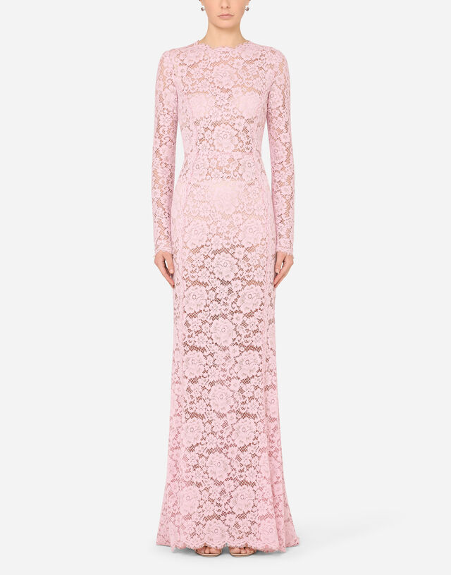 Long lace dress with train in Lilac