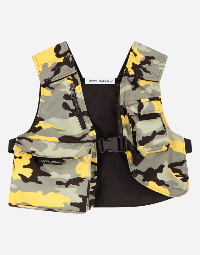 Camouflage-print nylon gilet with multiple pockets in Multicolor