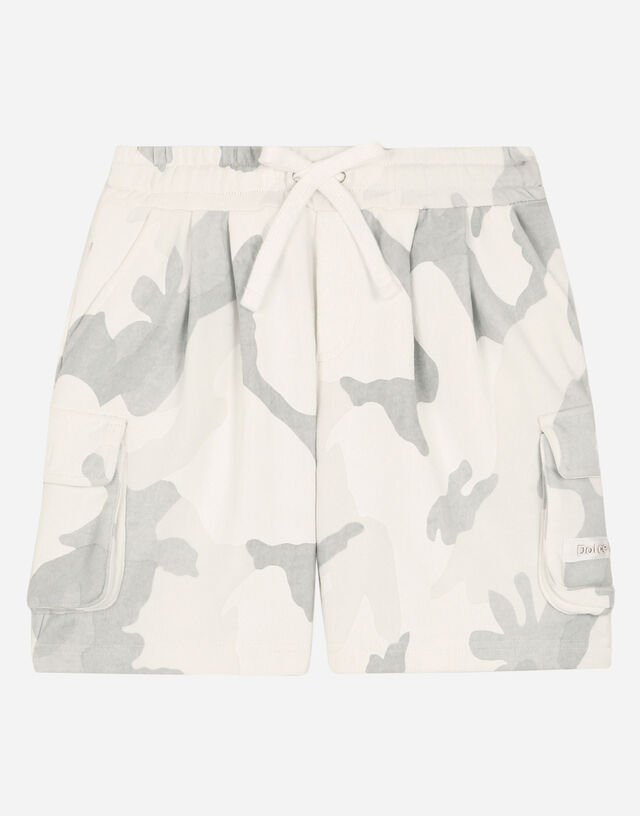 Oversize jersey jogging shorts with camouflage print in Multicolor