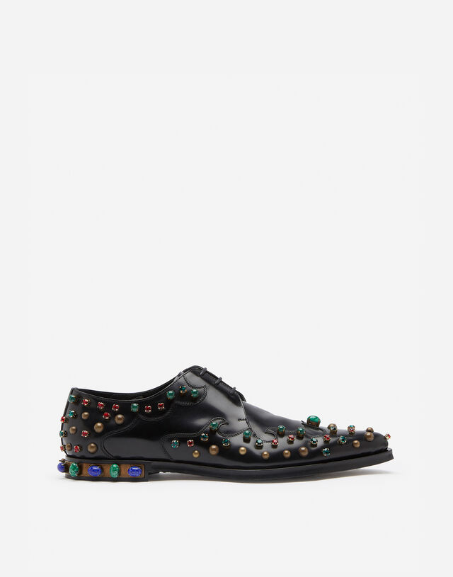 Derby in antik calfskin with stone embroidery in BLACK/GREEN