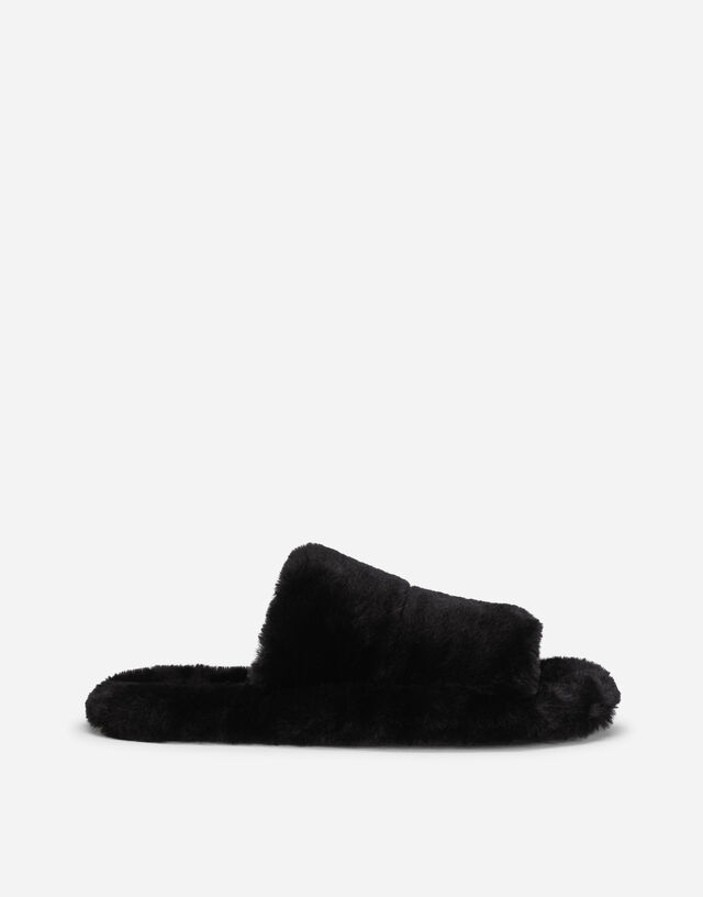 Faux fur sliders in Black